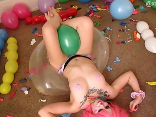 Sexy Clown & Her Balloons. XXSMILEY