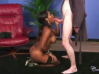 Blowjob and Facial Cumshot for Kiki Minaj