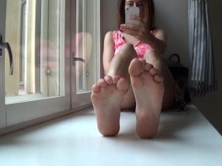 Camilla Moon - taste my dirty smelly feet