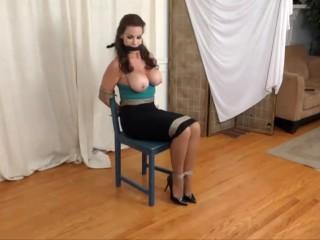 Alexis Taylor in bondage fm