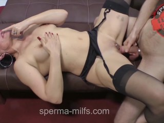 Insatiable man eating Sperma-Milf Angie ..